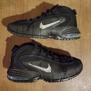 Nike Air Max Penney 1 Size 4 Big Boy Black